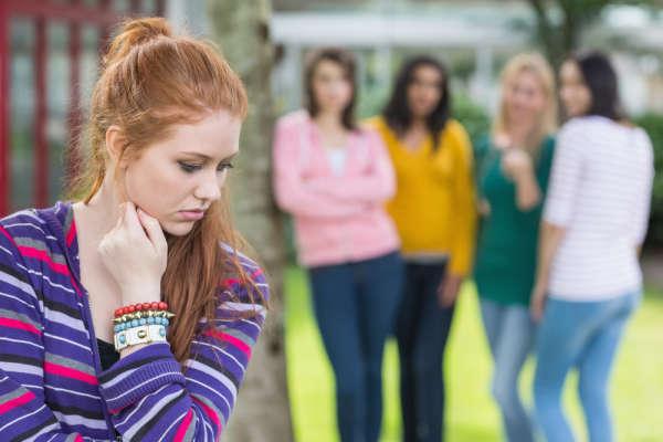 sosyal fobi nedir-belirtileri nelerdir